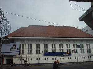 Bank Mandiri ex Escompto, Medan.. dari panoramio